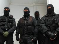 В Запорожье вооруженные люди заблокировали предприятие