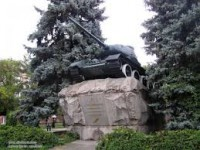 В Запорожье обновят памятник-танк