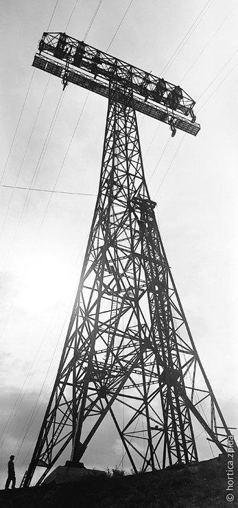 08_1932