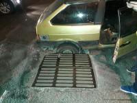 Фотофакт: В курортном городе машина провалилась под асфальт