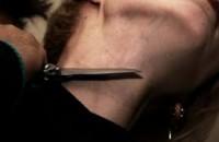 В Запорожской области молодая девушка перерезала себе горло