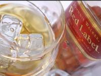 Запорожец ворует на заправках виски одной и той же марки