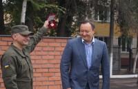 Запорожские военные наградили губернатора за баню
