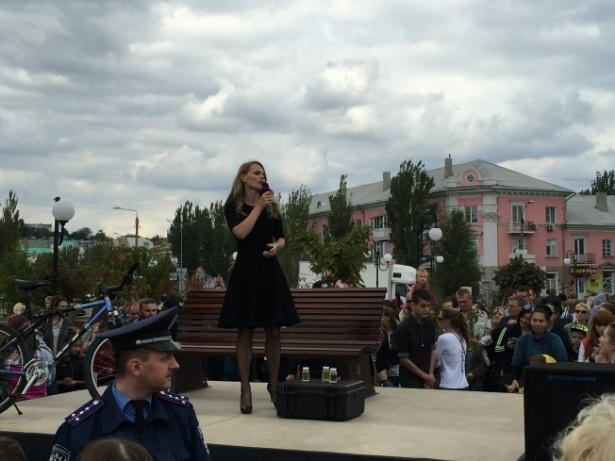 ВБердянске свою программу для канала «1+1» снимает Ольга Фреймут
