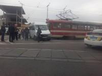 Пассажирка маршрутки пострадала в ДТП с трамваем