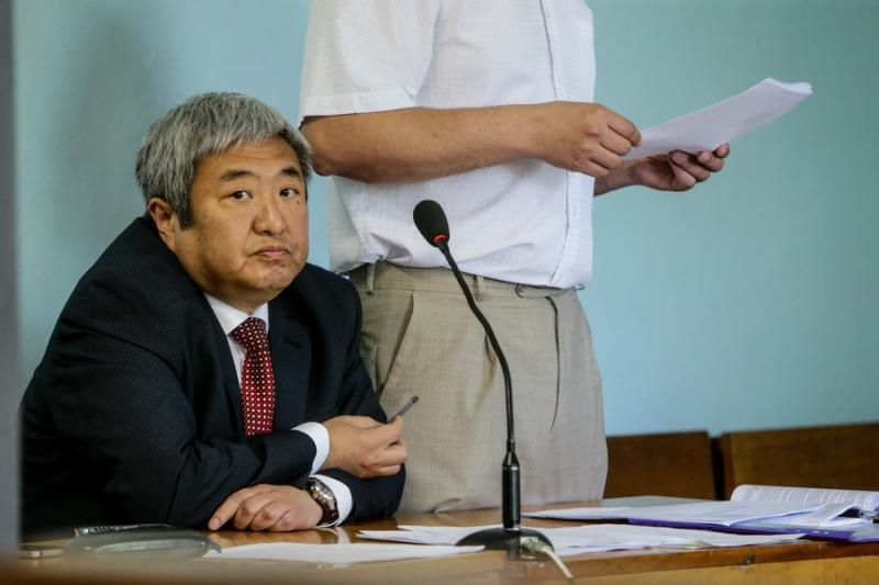 Суд запретил экс-мэру Запорожья Сину 2 года занимать руководящие должности