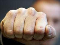 Запорожец избил двух девушек после отказа познакомиться