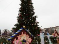 Губернатор на открытие Рождественского фестиваля пришел со своей семьей (фото)