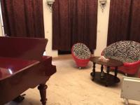 В Запорожье открылся после полицейской облавы бордель с роялем
