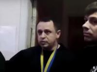 В Запорожье судья набросился с кулаками на ответчика (Видео)