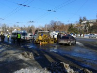 В маршрутке, протаравнившей автовышку, пострадали четверо человек