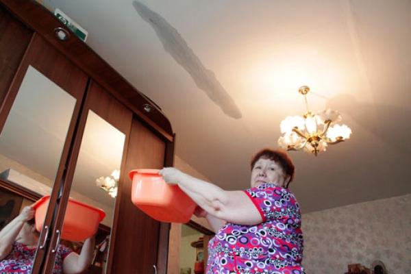затопил соседей пять этажей своего