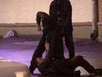 В Запорожье трое мужчин избили и ограбили полицейского