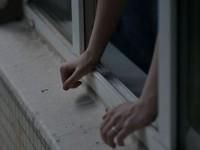 В Шевченковском районе мужчина выпал из окна