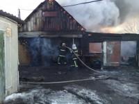 В Запорожской области сгорел гараж с машинами (Фото)