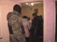 Запорожские правоохранители провели у банды рэкетиров более 30 обысков