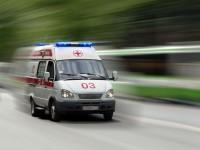 Парень на машине  врезался в столб возле отделения полиции
