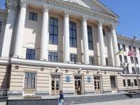 Запорожский мэр сел за стол переговоров с представителями фракций меньшинства