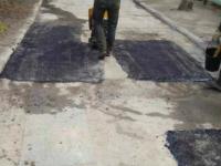 Фотофакт: в Запорожье подрядчика заставили переделать дороги