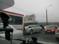 В Запорожье автобус «Запорожстали» столкнулся с иномаркой (фото)