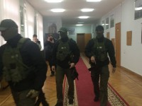 В кабинетах Запорожской ОГА детективы НАБУ проводят обыски (фото)