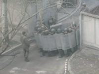 Возле здания запорожского суда заметили вооруженных людей (Фото)