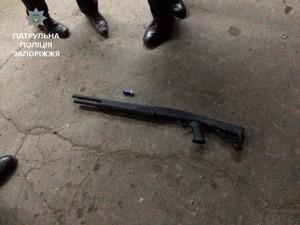 Патрульные опубликовали видео ночной стрельбы возле магазина