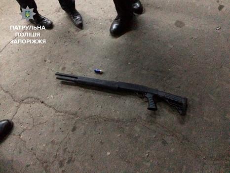 Неизвестный открыл стрельбу вЗапорожье: есть раненые