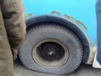 В Запорожье троллейбус провалился в яму (фото)