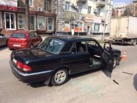 Дерзкое ограбление: из машины в центре Запорожья вытащили сумку с деньгами