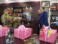 Губернатор в канун 8 Марта наградил женщин-военнослужащих (фото)