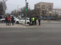 В центре Запорожья на пешеходном переходе сбили двух иностранок