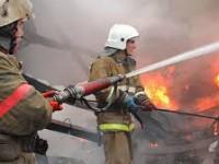 В Запорожской области шестеро малолетних детей оказались в горящем доме