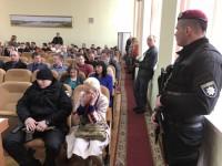 Скандальная депутат из Запорожской области пришла на сессию с автоматчиками
