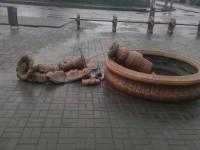 В Запорожской области разгромили фонтан (Фото)