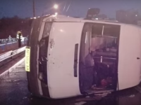 Водитель перевернувшейся в центре Запорожья маршрутки превысил скорость (Видео)