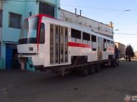 В Запорожье прибыл первый корпус для сборки нового трамвая (Фото)