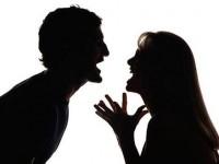 Запорожец избил жену и попытался забрать ребенка