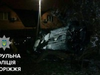 Водитель на BMW перевернулся во дворе частного дома
