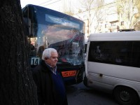 В центре Запорожья троллейбус столкнулся с двумя маршрутками