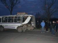 В Запорожской области  Mersedes влетел в маршрутку и скрылся
