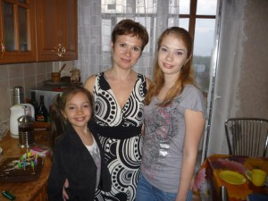 Библиотекарь из Запорожской области выбросила задушенное тело дочери в окно