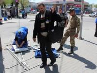 В Запорожье за палатки «Оппоблока» взялись военные