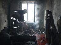 В Запорожье хозяева оказались заложниками в горящей квартире