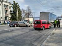 Перед ДнепроГЭС произошла тройная авария с фурой