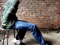 В Запорожской области студента пытали железными прутами