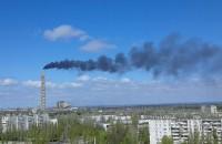 В Запорожской области из-за нарушений из труб ТЭС повалил черный дым