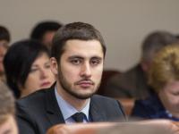 Самому молодому заммэра Запорожья хотят повысить зарплату