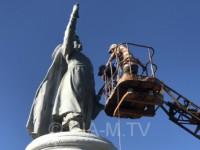 В Запорожской области памятник Богдану Хмельницкому лишился булавы