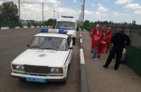 Жительница Запорожской области пыталась спрыгнуть с моста вместе с маленькой дочкой